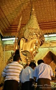 Buddha Mahamuni detail