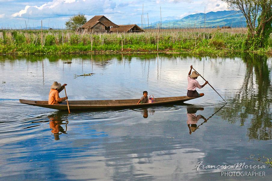 Remando por el lago