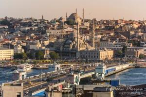 Atardecer sobre el puente Gálata. Estambul