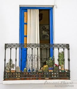 Ventana y balcón. Frigiliana