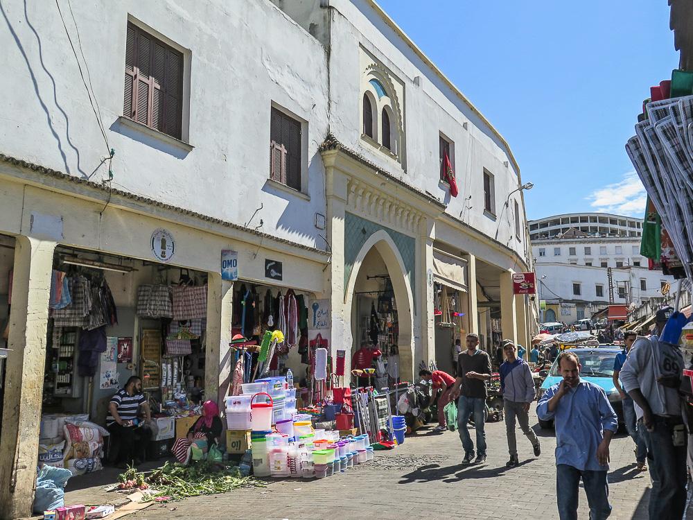 Entrada al Fonduk desde el mercado
