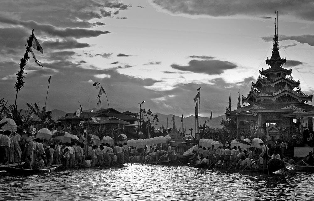 Phaung Daw Oo Paya Festival 13