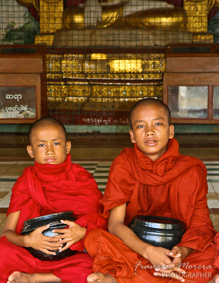 Young monks at Shwezigon Pagoda