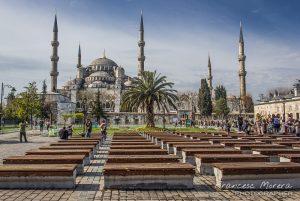 Plaza de Sultanahmed con la gran Mezquita Azul