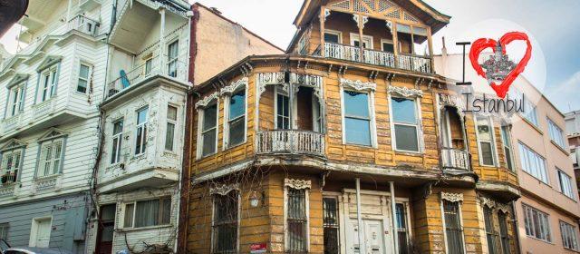 El Estambul de madera se desmorona