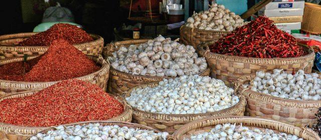 Un paseo por los mercados más coloristas de Myanmar