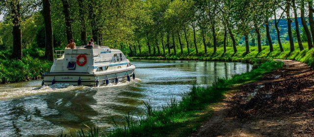 Navegando por el Canal du Midi
