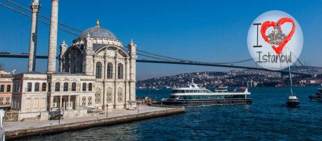 Ortaköy, a la sombra del primer puente del Bósforo