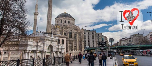 Pervetniyal Valide Camii, una mezquita difícil de etiquetar