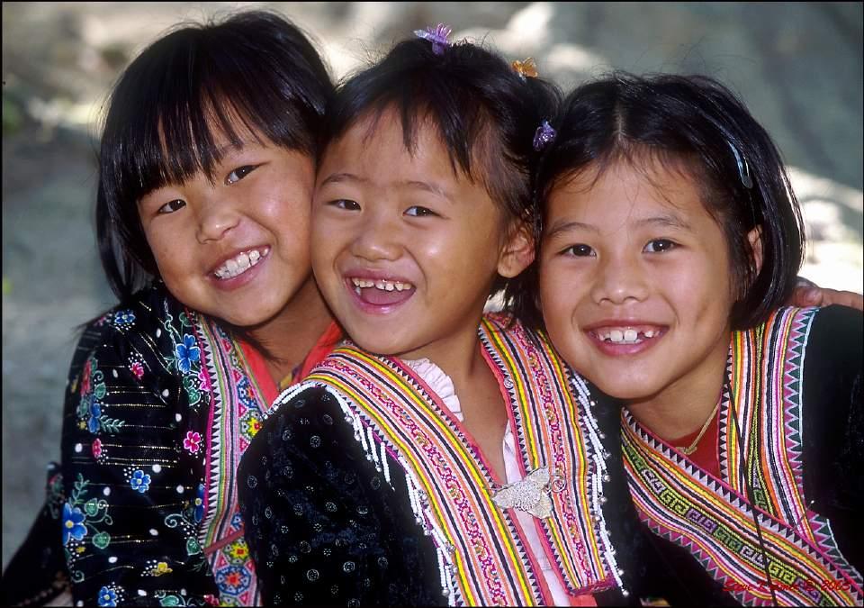 Niños tribu Hmong